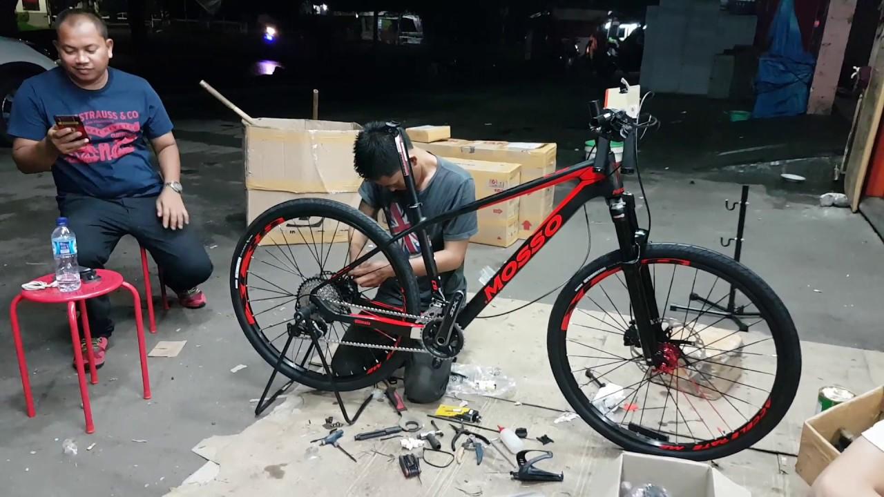 toko Sepeda Majuroyal Merakit Sepeda Gunung Mosso untuk