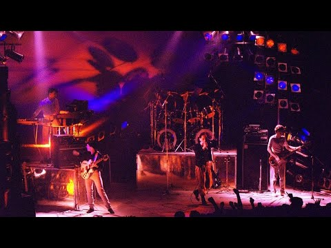 Simple Minds - Colours Fly And Catherine Wheel (Live) Glasgow 1982 (Audio) mp3