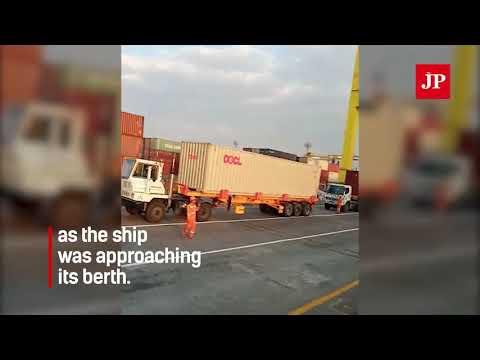 Container ship crashes into crane at Semarang terminal