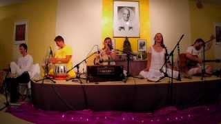 Govinda Jaya auf dem Mantra Sommer Camp im Westerwald - The Love Keys