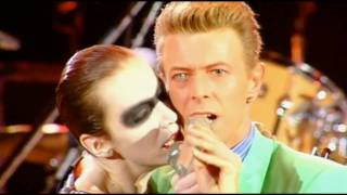 Queen & Annie Lennox  & David Bowie - Under Pressure - HD thumbnail
