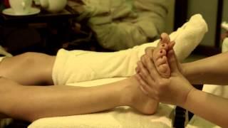 Тайский массаж ног в Сиам (рефлексология стоп)(Тайский массаж ног или foot-массаж в исполнении мастеров центров релаксации