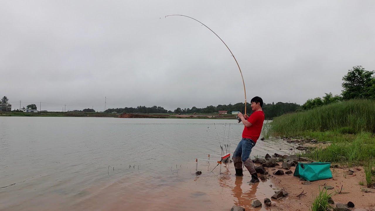 비오는날 민물장어가 잘 잡힌다고? 폭우 쏟아지는날 이런 결과가! eel fishing