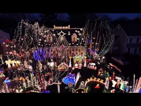 Christmas on Wendhurst In Richmond VA - Tacky Lights Extravaganza