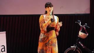 El peligro de no viajar | Daniela Elias | TEDxRecoleta