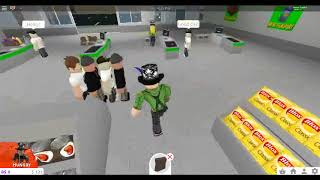 """Playing Roblox's """"Welcome To Bloxburg"""" for the first time!"""