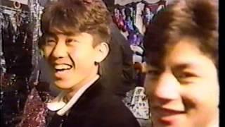 這是一部很珍貴的影片記錄少年隊第一次出國演出成龍後台探望送上過年紅...
