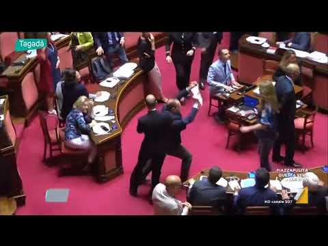 Momenti indimenticabili di camera e senato youtube for Camera e senato differenze