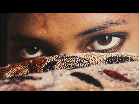 Artist Olma Hayali Ile Kandırılan Kızlar