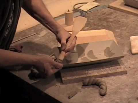 Dale Baucum Makes Stoneware Trays Using a Wooden M...