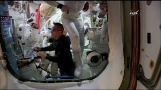 """LIVE – Spacewalk to install Canadarm2's original """"hand"""" on the ISS' mobile base."""