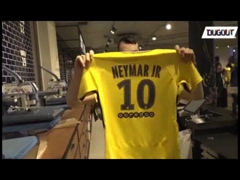 NEYMAR 10 SHIRT AT  PSG