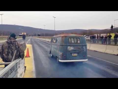 Cooker's V-dubs 1960 turbo powered VW Bus 1/4 mile pass