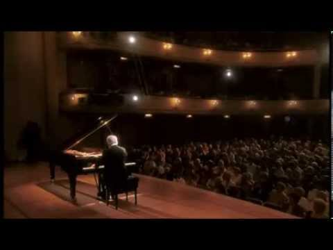 Beethoven | Piano Sonata No. 12 in A-flat major | Daniel Barenboim
