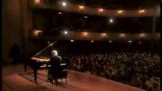 Beethoven | Piano Sonata No. 12 in A-flat major | Daniel Barenboim
