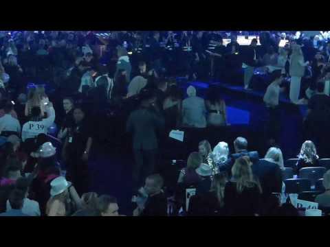 Artister kommer till Green room i melodifestivalfinalen 2017.