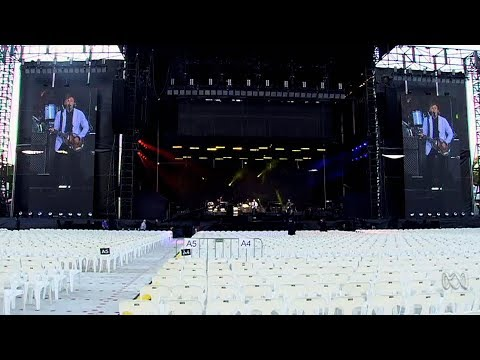 20+ minutes of Paul McCartney rehearsing at nib Stadium, Perth in December 2017