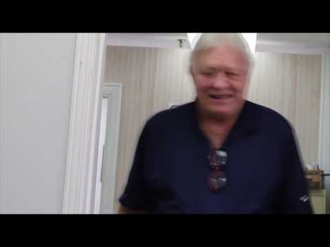 Behind the scene- Bobby Hull Signing at Autograph Authentic www.autographauthentic.com