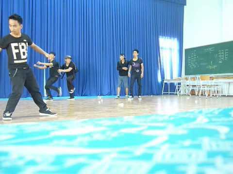 Nhảy hiện đại mừng 20/11 của 12b6- Võ Minh Đức