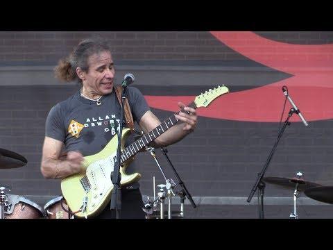 "Chris Duarte - ""Angry Man"" (Live at the 2017 Dallas International Guitar Show)"