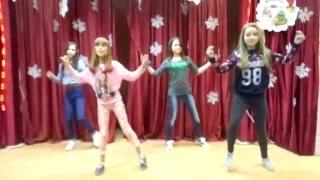 Наш танец на новый год в школе