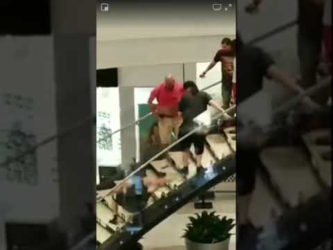 Plainfield fight (menlo mall)