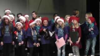 Sortland Barnekor synger Julenatt