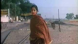 Ghulami (1985) - Mere Pee Ko (full song).avi