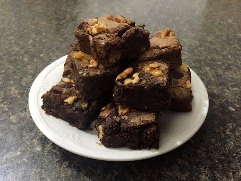 des-brownies-mœlleux-au-chocolat-et-aux-noix