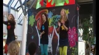 Twizzle in winkelcentrum Paddepoel Groningen. deel 2