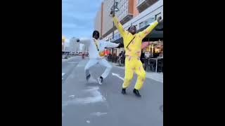 short new forenars dancing on Marathi song beat