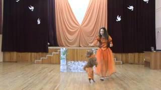 Саша и пудель Ники, танец