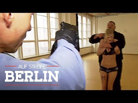 """Entführung nach Uni-Seminar - Geheimtrick """"Polizisten-Tausch""""   Auf Streife - Berlin   SAT.1 TV"""