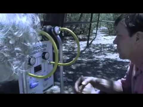 Bob Lazar explains how he runs his car off of water/hyrogen