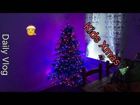 The kids Xmas Tree 🎄  #dailyvlog #stevesfamilyvlogs