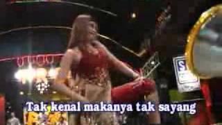 Download Video DANGDUT DIVA - EVA NOVANDA.flv MP3 3GP MP4