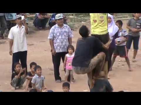 Panjat pinang tercepat di Indonesia