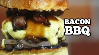 Bacon Bbq Burger - Hamburguer Caseiro Com Bacon E Molho Barbecue - Sanduba Insano