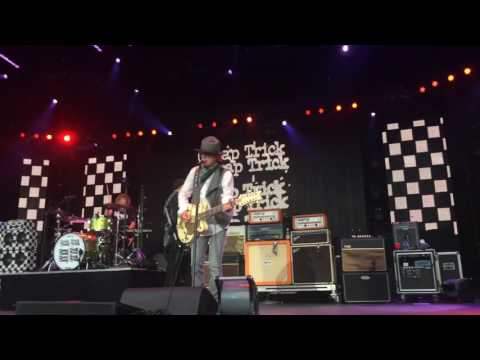 Cheap Trick - Waiting For The Man
