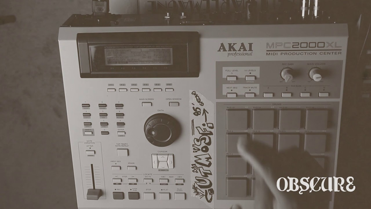 Obscur8 | CHOPPING SAMPLES ON THE MPC 2000XL