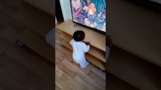 One year baby dancing MC Galaxy ft. Davido nek-unek