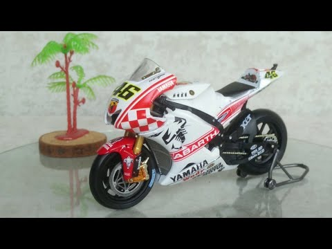 MotoGP Yamaha YZR-M1 Leo Models 1:18 Scale Diecast Motorcycle Valentino Rossi 2017 Philip Island