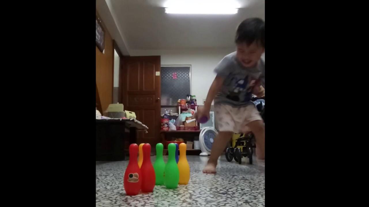 保齡球高手全倒恩恩 - YouTube