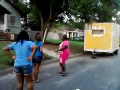GHETTO EAST SAVANNAH FIGHT ENDS IN SHOOTING *RIP SAMONE*