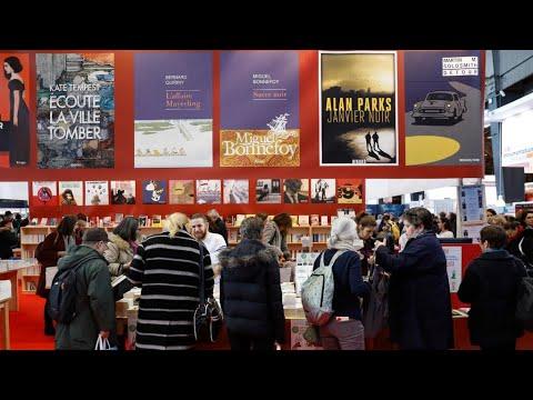 Coronavirus: le salon du livre de Paris annulé, le musée du Louvre reste fermé