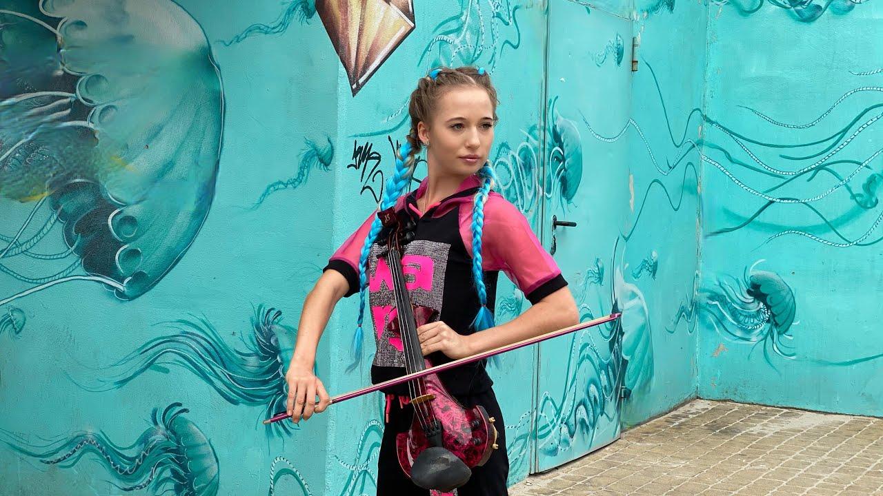 The Final Countdown - Europe street performance cover violin by Sandra Cygan