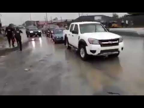 SARS Officials Attached To Amaechi Attack Governor Wike's Convoy (Must Watch Video)