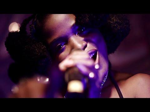 Reniss - La Sauce (Dans La Sauce) (Directed by Ndukong)
