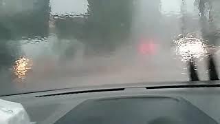 Kabin datsun go pada saat hujan deras(belum dipasangi peredam)berisik sekali..