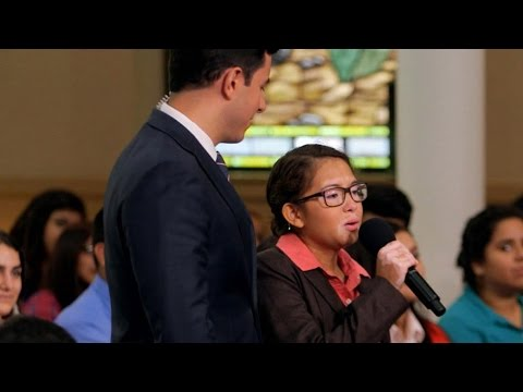 Pope Francis Asks Chicago Teen to Sing for Him: Part 1 | Moderated by David Muir | ABC News